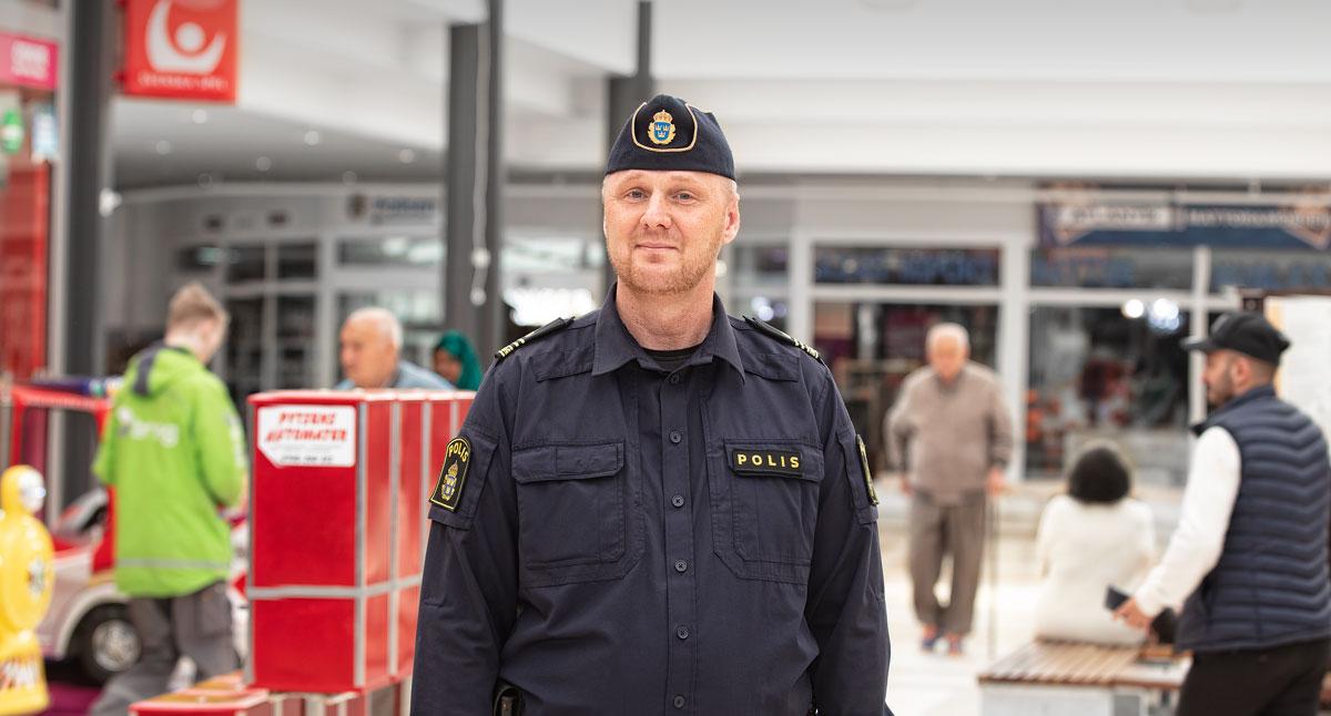 Tobias Löfström i Vivalla centrum.